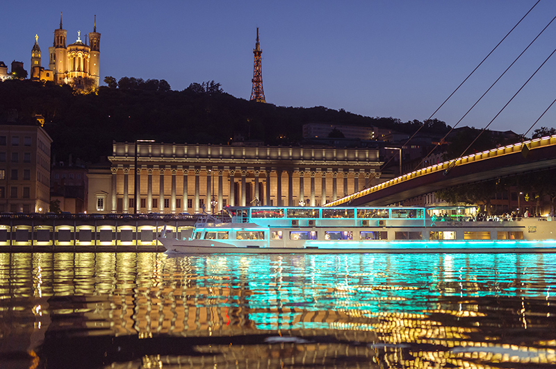 Dining-Cruise-Lyon-City-Boat-picture-lyon